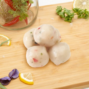 Fresh Chilli Fish Balls (M) 新鲜辣椒鱼丸 (中) (20 pieces)